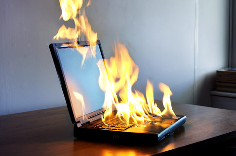 HS2739 Original Filename: 92983122_Laptop-on-Fire.jpg